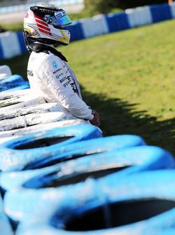 Lewis Hamilton, Mercedes AMG F1 si ferma sul circuito