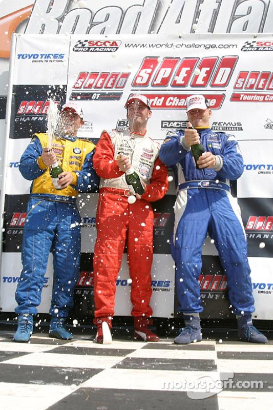 Champagne pour Pierre Kleinubing, Justin Marks et James Clay
