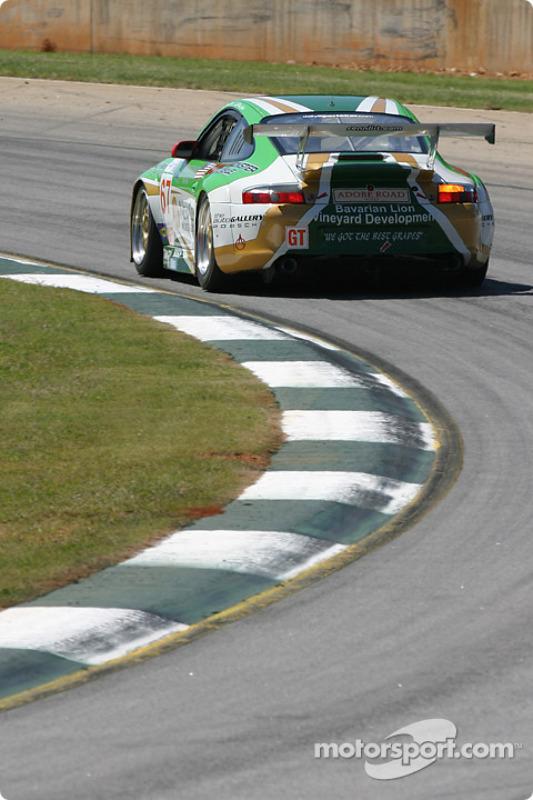 La Porsche 911 GT3 RSR n°67 The Racers Group : Pierre Ehret, Robert Nearn, Philip Collin