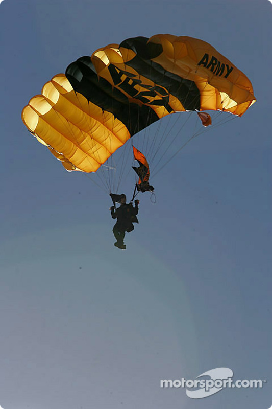 Un parachutiste Golden Knights