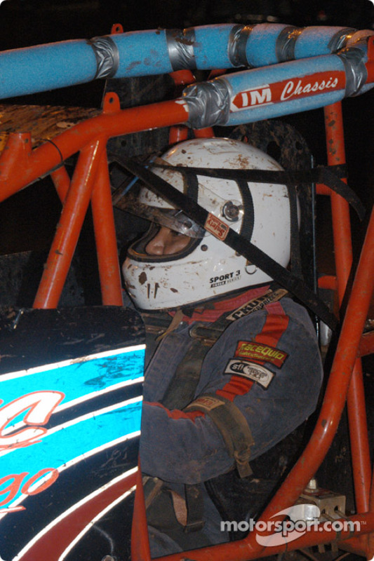 Le pilote de Sprint Car de Hawaii  Brandon Ternora