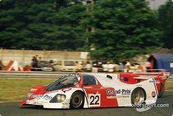 #22 Porsche Kremer Racing Kremer-Porsche CK5: Дерек Уорвик, Патрик Гайяр, Франк Елински