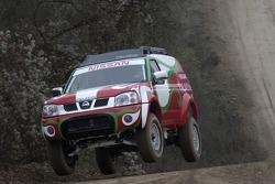 Xu Lang and Fabian Lurquin test the Nissan Paladin