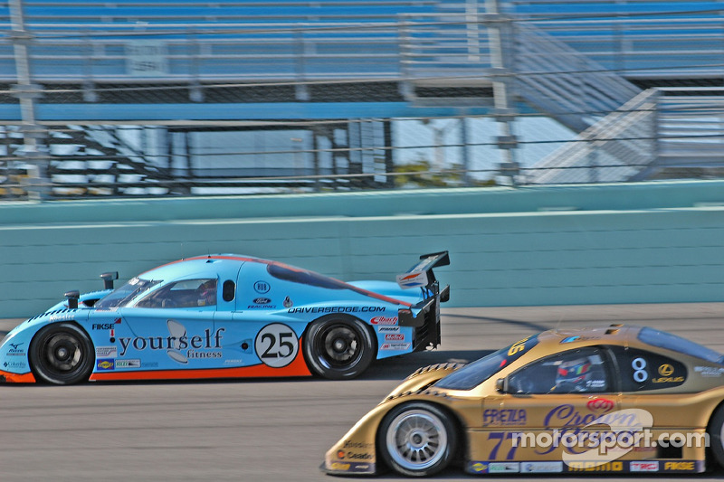 Westernesse Racing Ford Crawford : Dominic Cicero II, Chad McQueen, John Bender; Doran Racing Lexus Doran : Matteo Bobbi, Fabrizio Gollin