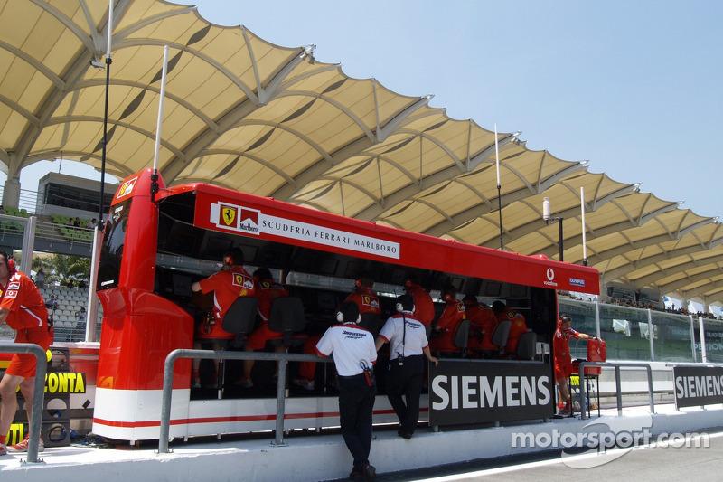 Muro de pits de Ferrari