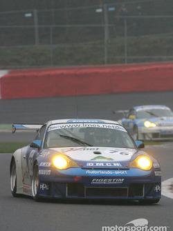#76 Autorlando Sport Porsche 996 GT3 RS: Franco Groppi, Luigi Moccia, Joel Camathias