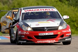 the #6 Vauxhall Asta Sport Hatch of VX Racing gets damaged in race 3