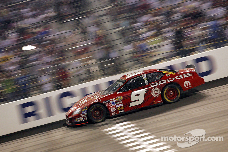 2005, Richmond 1: Kasey Kahne (Evernham-Dodge)
