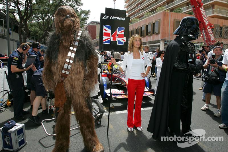 Chewbacca und Darth Vader in der Startaufstellung