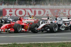 Start: Michael Schumacher and Kimi Raikkonen