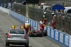 Ralf Schumacher crashes in the wall