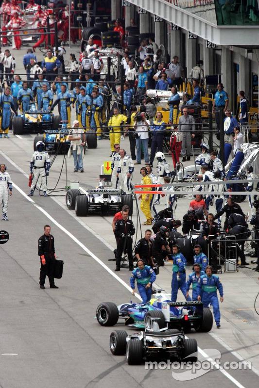 Equipes de pneus Michelin abandonam corrida