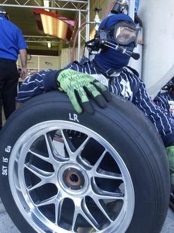 Un mécanicien Alex Job Racing