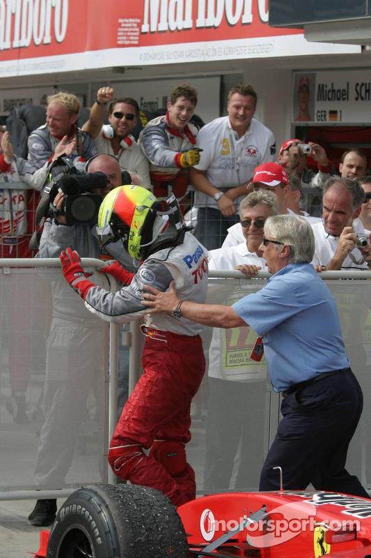 Ralf Schumacher celebra