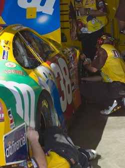 Elliott Sadler's team works on the #38
