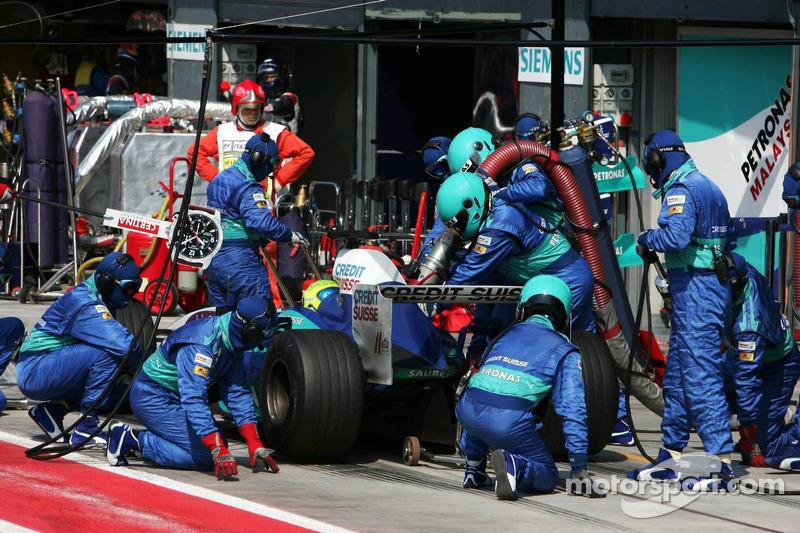 Parada en boxes para Felipe Massa