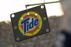 The #32 Tide pitboard