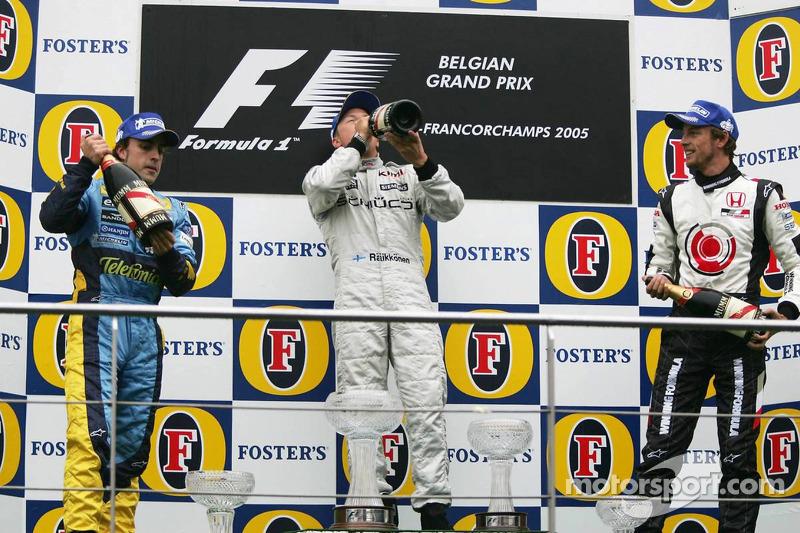 2005. Подіум: 1. Кімі Райкконен, McLaren-Mercedes. 2. Фернандо Алонсо, Renault. 3. Дженсон Баттон, BAR-Honda