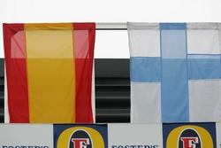 Podium: flags of the contenders for the 2005 Drivers World Championship