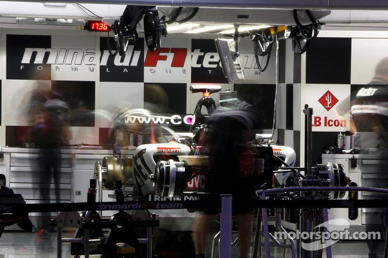 Área de garage de Minardi