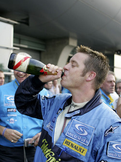 Renault F1 team member celebrates world championship