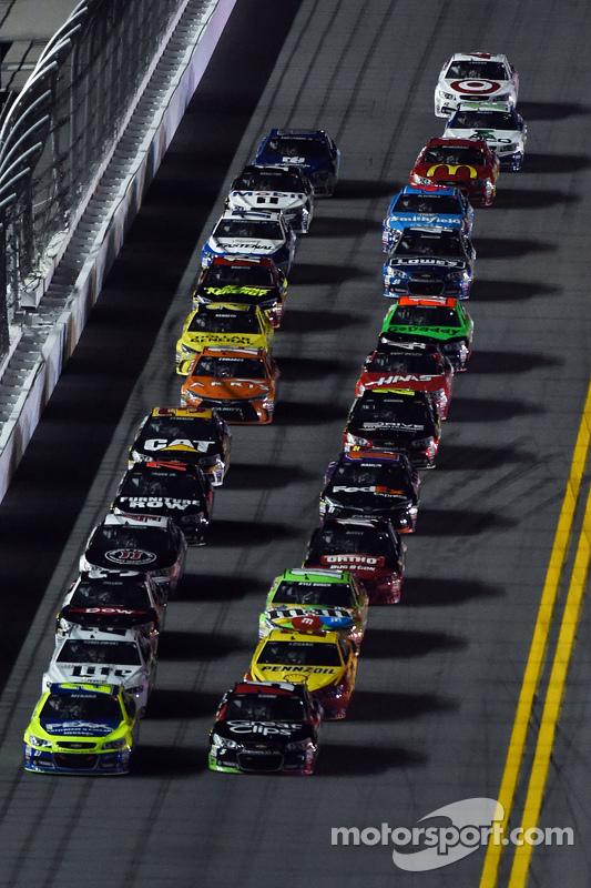 Paul Menard, Richard Childress Racing Chevrolet, e Kasey Kahne, Hendrick Motorsports Chevrolet