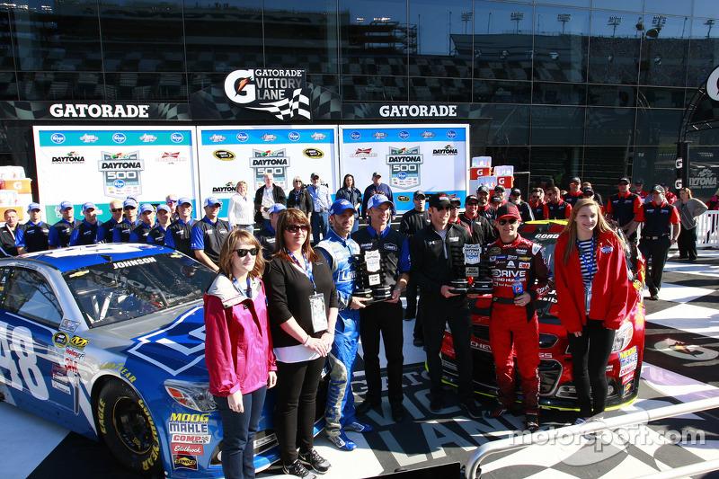 Polesitter Jeff Gordon, Hendrick Motorsports Chevrolet, second place Jimmie Johnson, Hendrick Motors
