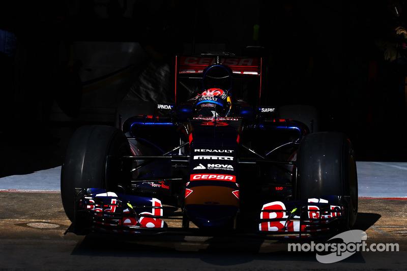Макс Ферстаппен, Scuderia Toro Rosso STR10 залишає бокси