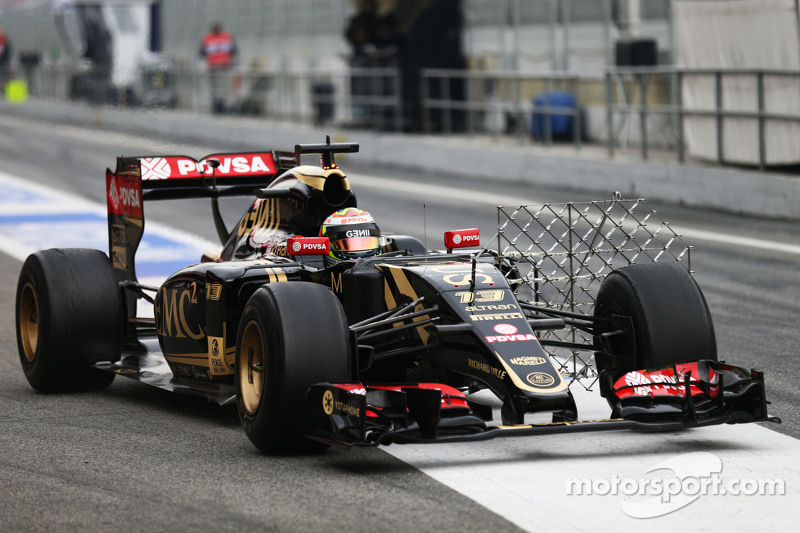 帕斯托·马尔多纳多, 路特斯 F1 E23,装备监测设备,进行测试