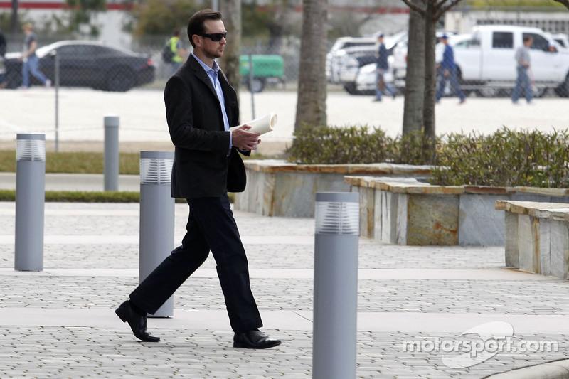 Kurt Busch verlässt das NASCAR International Motorsport Center nach einer verlorenen Berufung