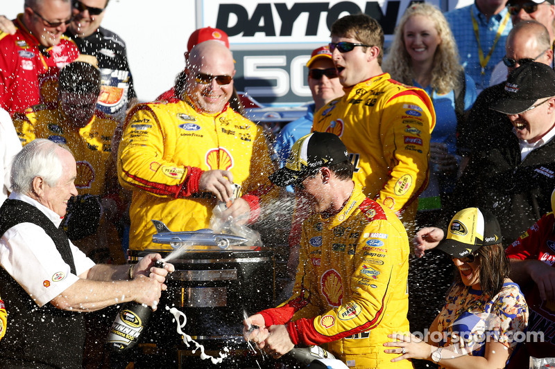 Race winner Joey Logano, Team Penske Ford celebrates