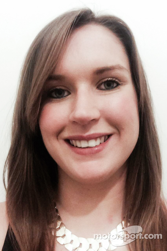 كاتي غامبل، مديرة المبيعات لموتورسبورت.كوم في المملكة المتحدة