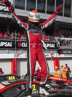 Yarış galibi Fabian Coulthard, Brad Jones Racing Holden