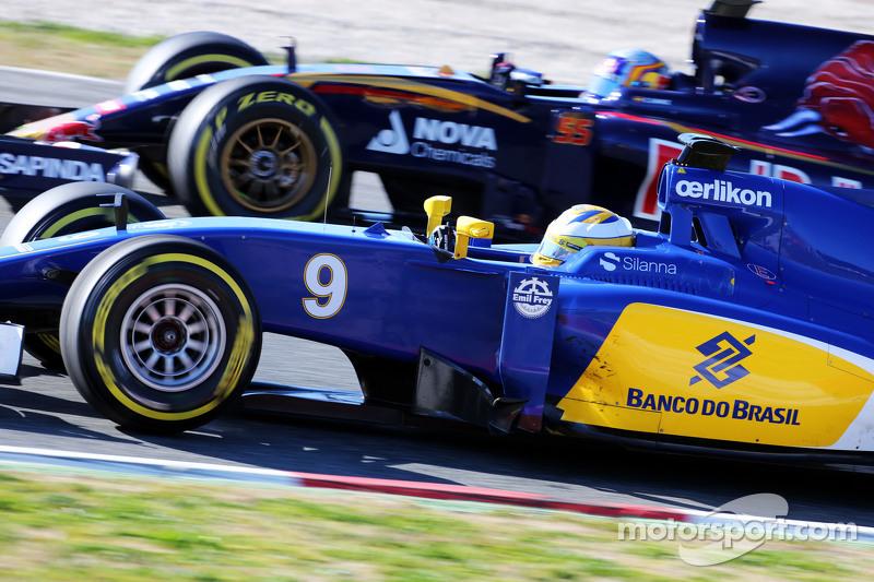 Marcus Ericsson, Sauber C34, und Carlos Sainz jr., Scuderia Toro Rosso STR10