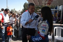 Milka Duno being interviewed