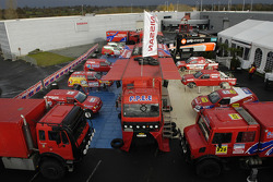 Team Nissan Dessoude presentation: overview of Team Nissan Dessoude vehicles for the Dakar 2006
