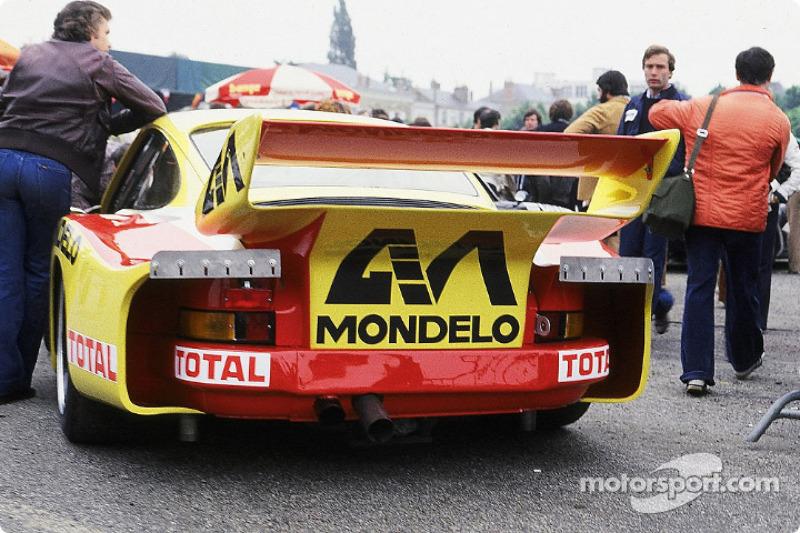 #41 Porsche 935