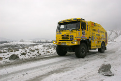 Loprais Tatra Team gets ready to leave for Lisbon: Karel Loprais in the Tatra Dakar 2006 4x4