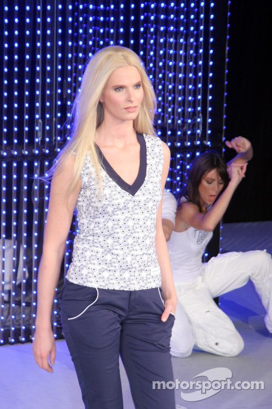 La danseuse Christina Kruse présente la collection