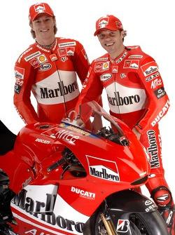 Sete Gibernau and Loris Capirossi with the new Ducati Desmosedici GP6