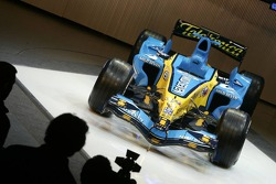 The new Renault R26 on stage
