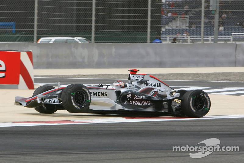 Kimi Raikkonen heads back to pits