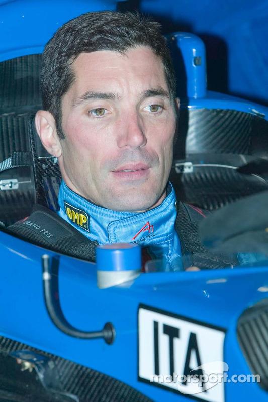 Max Papis est adapté pour la voiture A1GP de l'équipe d'Italie