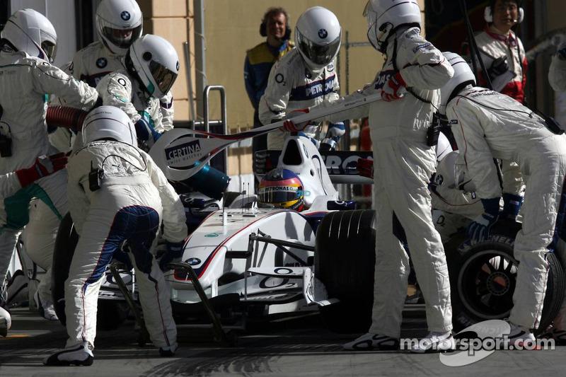 Parada en pits para Jacques Villeneuve