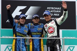Podium: race winner Giancarlo Fisichella with Fernando Alonso and Jenson Button
