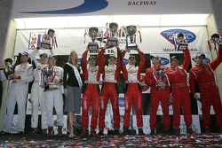 GT2 podium: winners Scott Maxwell, David Brabham and Sébastien Bourdais, second place Johannes van O