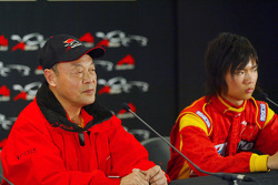 The Chinese seat holder and Qinghua Ma (CHN) A1 Team China in the press conference