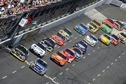 Start: Jimmie Johnson and Jamie McMurray battle for the lead