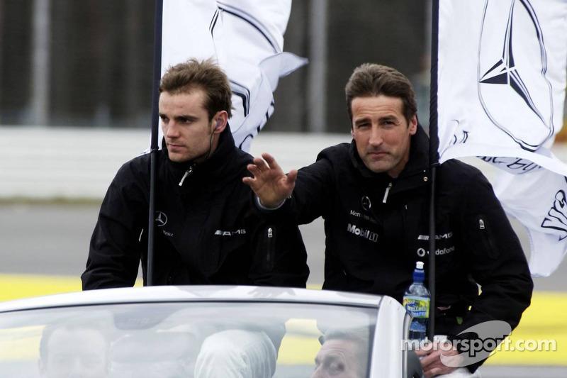 Bernd Schneider et Jamie Green pendant la parade