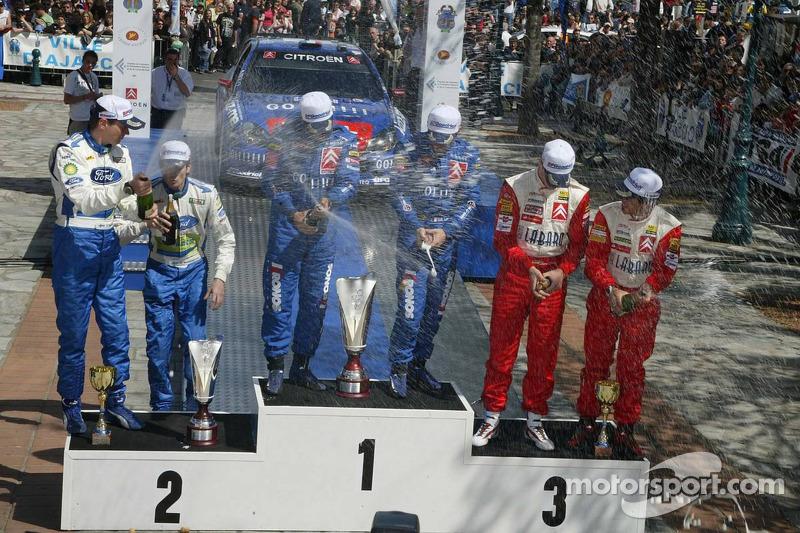 Podium: les vainqueurs ébastien Loeb et Daniel Elena, avec les deuxièmes Marcus Gronholm et Timo Rautiainen, et les troisièmes Daniel Sordo et Marc Marti